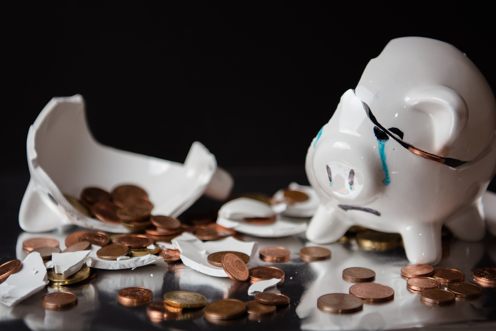 Broken-piggy-bank.jpg