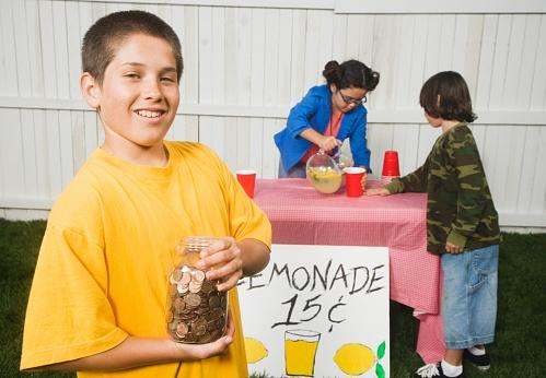 /kids-lemonade-stand.jpg